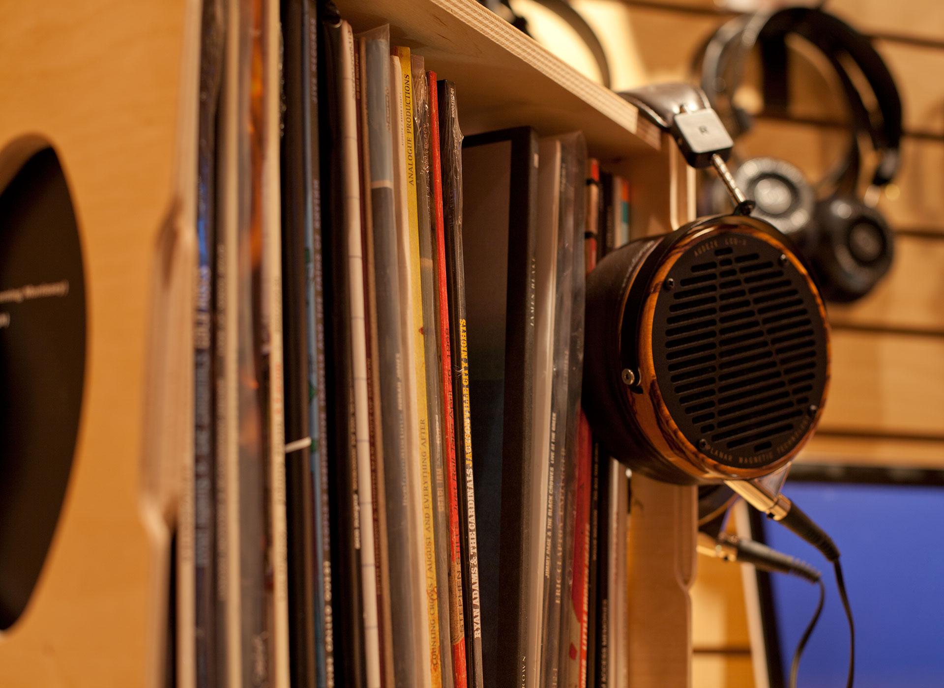Audeze-and-Vinyl-Record-Crate
